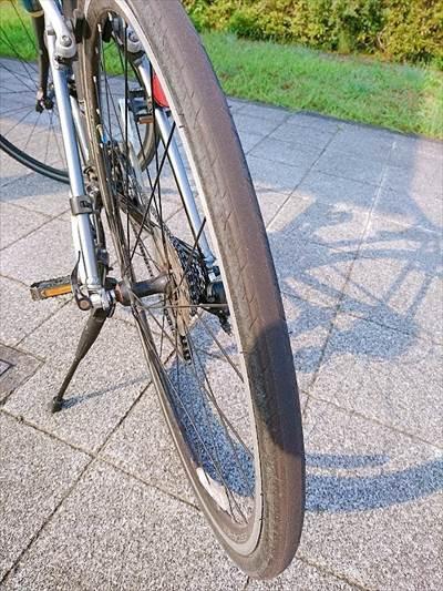 エスケープR3の後輪タイヤのすり減り具合